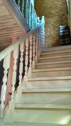 Изготовленные лестниц по индивидуальному заказу